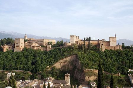 800px-alhambra_view